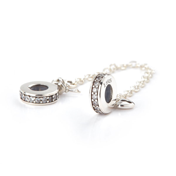 CHARM CHAINED LOVE