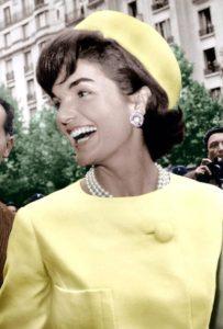 tendencias - Jackie Kennedy pillbox sombrero tocado 203x300